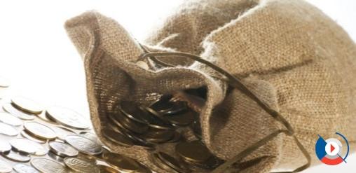 Выпуск карты Gold обходится в 350 рублей. Обслуживание золотой карты ВТБ 24 – 350 рублей в месяц, но при выполнении некоторых условий бесплатно.